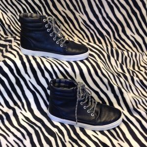 OLD NAVY YOUTH ATHLETIC HIGH TOP BLACK RUBBER SOLE